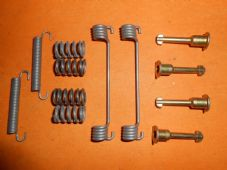 PEUGEOT 605 (1989-1999) REAR BRAKE FIXING KIT-BFK351